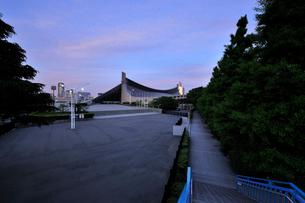 早朝の国立代々木競技場第一体育館の写真素材 [FYI02311412]