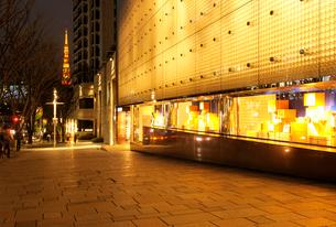 夜の六本木けやき坂通りの写真素材 [FYI02311466]