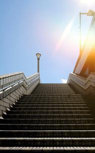 上野駅前歩道橋広場への階段の写真素材 [FYI02311473]