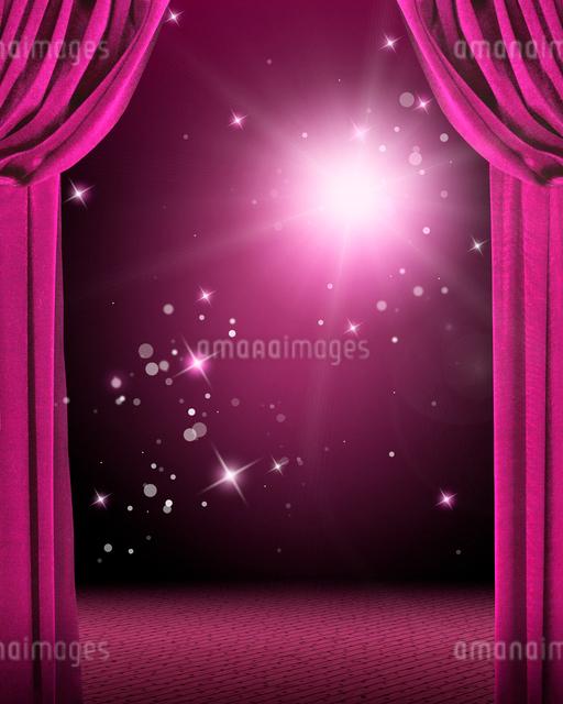 ピンクの緞帳と舞台のイメージのイラスト素材 [FYI02311632]