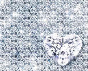 光るハートのジュエリーのイラスト素材 [FYI02311634]
