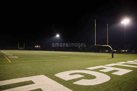College football field at nightの写真素材 [FYI02322843]