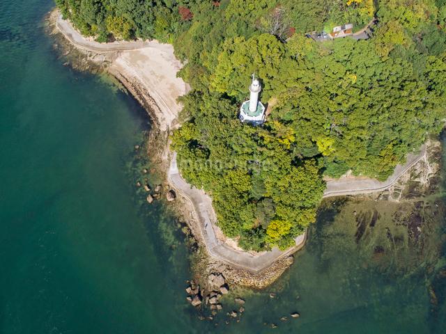 ドローンによる宇品灯台と元宇品海岸の写真素材 [FYI02324672]