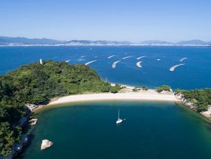 ドローンによる広島湾の絵の島の写真素材 [FYI02324673]