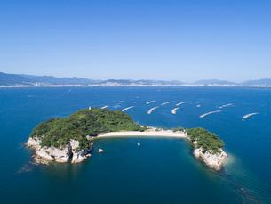 ドローンによる広島湾の絵の島の写真素材 [FYI02324784]