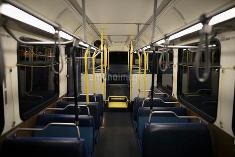 Empty busの写真素材 [FYI02325658]