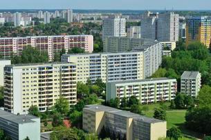 Plattenbau housing estate, Marzahn, Berlin, Germany, Europeの写真素材 [FYI02337961]