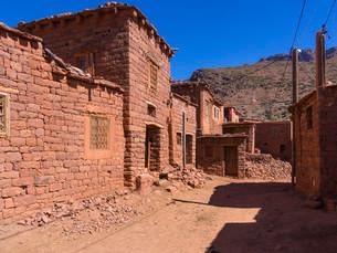Anammer adobe village, Ourika Valley, Atlas Mountainsの写真素材 [FYI02338060]