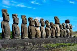 Moais at Ahu Tongariki, Rapa Nui National Park, Unescoの写真素材 [FYI02338074]