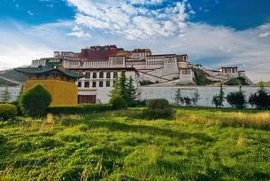 Potala Palace, Dalai Llama's winter palace, Lhasa, Tibetの写真素材 [FYI02338247]