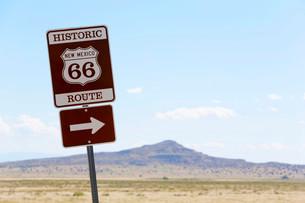 Diversion to Historic Route 66, Los Lunas to Albuquerqueの写真素材 [FYI02338251]
