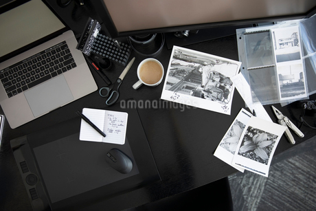View from above photography negatives on deskの写真素材 [FYI02338253]