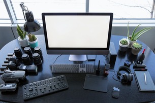 Photography and drone operator equipment on deskの写真素材 [FYI02338349]