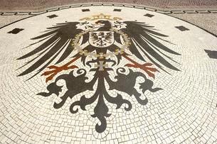 Mosaic, imperial eagle of the German Empire from 1888 onの写真素材 [FYI02338368]