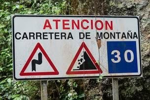 Spanish warning sign of dangers in the mountains, Barrancoの写真素材 [FYI02338512]