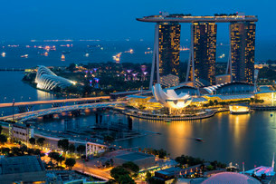 Marina Bay, at night, Singapore, Asiaの写真素材 [FYI02338676]