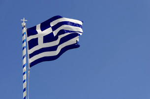 Greek Flag, Thira, Santorin, Cyclades, Greece, Europeの写真素材 [FYI02338727]