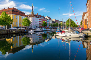Christianhavns Canal, Christianshavn, Copenhagen, Capitalの写真素材 [FYI02338956]