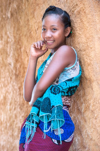 Malagasy girl, 15-16 years, Morondava, Toliara provinceの写真素材 [FYI02339041]
