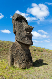 Moai in Rano Raraku, Rapa Nui National Park, Unesco Worldの写真素材 [FYI02339051]