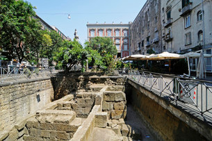 Archaeological site, Piazza Bellini square, Naplesの写真素材 [FYI02339094]