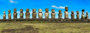 Moais at Ahu Tongariki, Rapa Nui National Park, Unescoの写真素材 [FYI02339122]