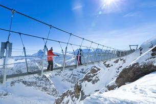 The Cliff Walk, the highest suspension bridge in Europe, onの写真素材 [FYI02339133]