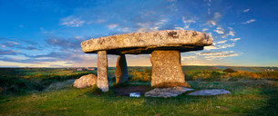 Lanyon Quoit, megalithic burial dolmen from the Neolithicの写真素材 [FYI02339189]