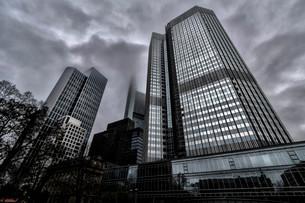 European Central Bank, ECB, with a gloomy sky, Frankfurt amの写真素材 [FYI02339209]