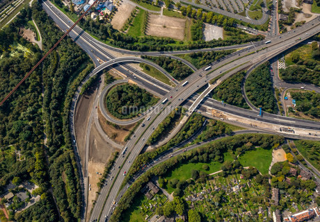 Aerial view, junction of motorways A59 and A42, extensionの写真素材 [FYI02339255]