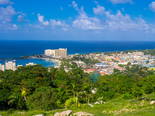 Coastal town, Ocho Rios, Jamaica, Central Americaの写真素材 [FYI02339316]