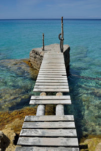 Jetty near the beach of Cala d'Hort, Sant Josep de saの写真素材 [FYI02339319]