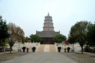 Giant Wild Goose Pagoda, Buddhist pagoda, X'ian, Shaanxiの写真素材 [FYI02339391]