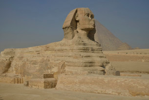 Sphinx or Great Sphinx of Giza, lion with a human headの写真素材 [FYI02339413]