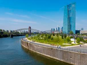 View of the new European Central Bank, ECB, with Harbourの写真素材 [FYI02339536]