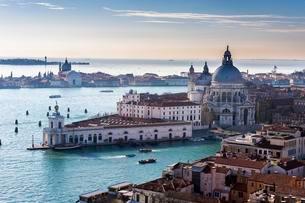 Santa Maria della Salute, Venice, Veneto, Italy, Europeの写真素材 [FYI02339624]