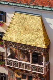 Goldenes Dachl, golden roof, gilded slates, historicの写真素材 [FYI02339628]