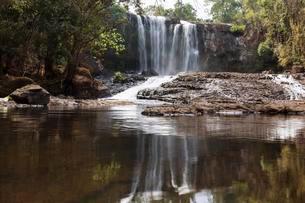 Bousra waterfall, Bou Sra near Senmonorom, Sen Monoromの写真素材 [FYI02339633]