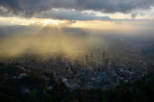 Sunset over city centre, Central Business District,, andの写真素材 [FYI02339637]