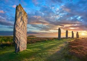 Ring of Brodgar, Neolithic henge and stone circle, Orkneyの写真素材 [FYI02339644]