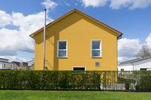 Family house in Hohenbuschei, new development areaの写真素材 [FYI02339681]