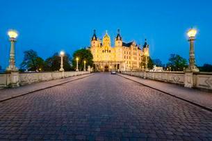 Schwerin Castle, Mecklenburg-Western Pomerania, Germanyの写真素材 [FYI02339731]