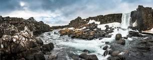 oxararfoss Waterfall, River oxara, Thingvellir Nationalの写真素材 [FYI02339751]