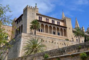 Palacio Real de la Almudaina, Palma de Mallorca, Majorcaの写真素材 [FYI02339782]