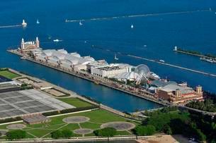 Navy Pier on Lake Michigan, view from John Hancock Centerの写真素材 [FYI02339787]