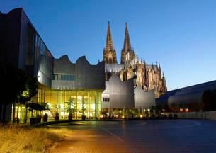Cathedral and Philharmonie, evening mood, Cologne, Northの写真素材 [FYI02339788]