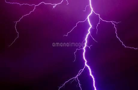 Lightning during a thunderstorm, Enger, Northの写真素材 [FYI02340071]