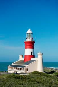 Lighthouse at Cape Agulhas, southernmost point of Africaの写真素材 [FYI02340081]