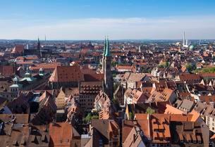 Historic centre with St. Sebaldus Church, Nuremberg, Middleの写真素材 [FYI02340159]