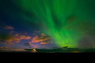 Moon and Aurora Borealis, Grindavik, Reykjavik, Icelandの写真素材 [FYI02340169]